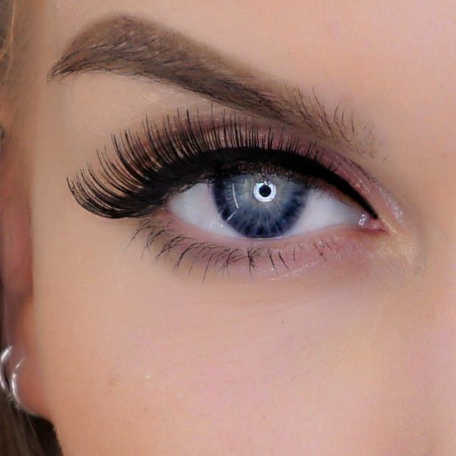 False Eyelashes More Volume